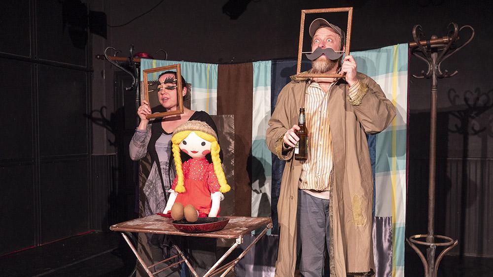 A Kóbor Szálló – érzékenyítő bábszínház a Tandem Színház – Escargo Hajója előadása